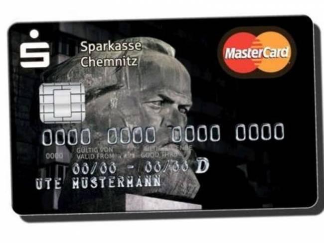 Τρελή επιτυχία για τις πιστωτικές κάρτες με το πρόσωπο του Μαρξ