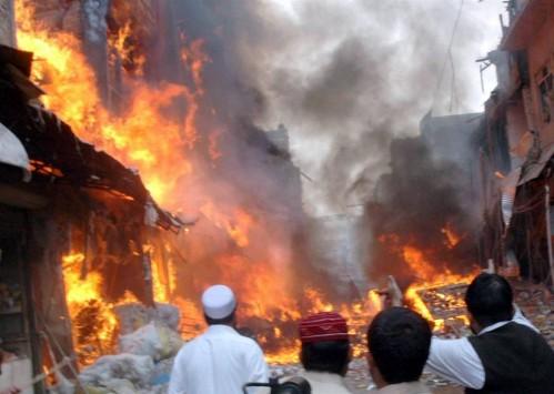 Πολύνεκρη έκρηξη σε αγορά στο Πακιστάν