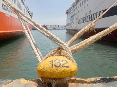 Άρση του απαγορευτικού για τα δρομολόγια πλοίων από Πειραιά, Ραφήνα και Λαύριο