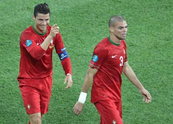 Με «υπογραφή» Ρονάλντο, η Πορτογαλία στους «8» του Euro 2012
