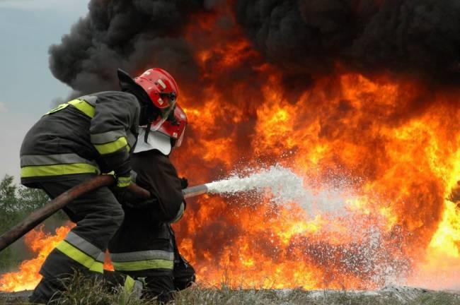 Νεκρός πυροσβέστης στην Ελευσίνα
