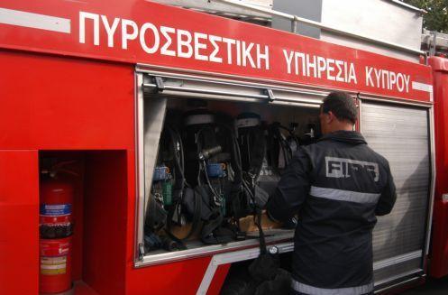 Λάρισα: Μεγάλη πυρκαγιά στο Οινοποιείο Τυρνάβου
