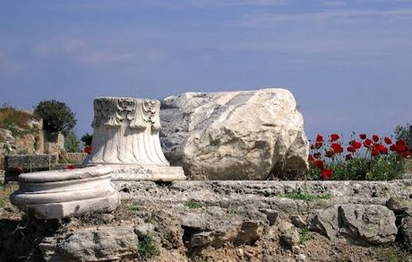 """Μάρμαρο """"λάφυρο του έρωτα"""" που κλάπηκε το 1967 επέστρεψε στο Μουσείο της Κορίνθου"""
