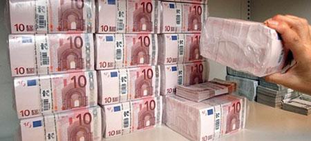 Καλπάζει η φοροδιαφυγή - Πάνω από 50 δισ. αφορολόγητα στις τσέπες αετονύχηδων