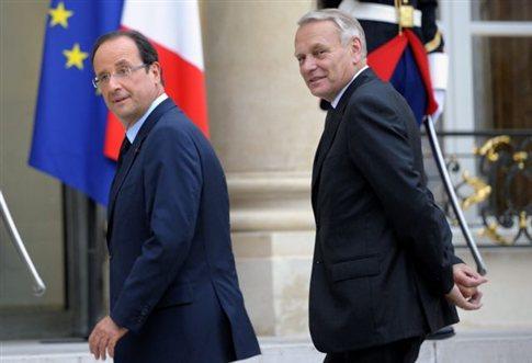 Λιγότερο προσωπικό στα υπουργεία και περιορισμό δαπανών επιθυμεί η κυβέρνηση Ολάντ