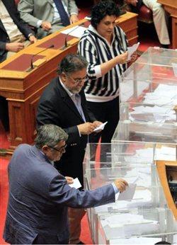 Τα 204 άκυρα μπλόκαραν τον έβδομο αντιπρόεδρο της Βουλής από τη Χρυσή Αυγή