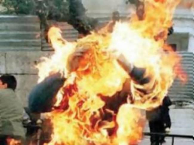 Πακιστάν : Τον έκαψαν ζωντανό επειδή έκαψε το Κοράνι