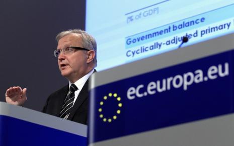 Όλι Ρεν: Θα κάνουμε τα πάντα για να σώσουμε το ευρώ