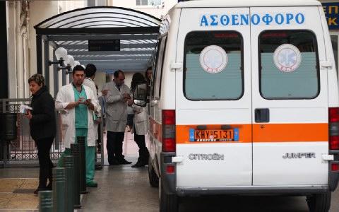 Μηχανάκι συγκρούστηκε με σκύλο στη Λάρισα