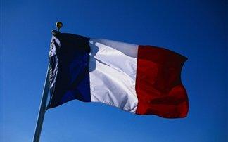 Γαλλία: Θα εφοδιάσει με τηλεπικοινωνιακό εξοπλισμό στους Σύρους αντάρτες