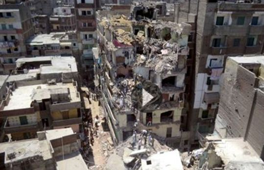 Τουλάχιστον 10 νεκροί από κατάρρευση 11όροφης πολυκατοικίας στην Αλεξάνδρεια