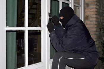 Σύλληψη δύο ατόμων για κλοπή  και κατοχή ναρκωτικών