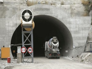 Λάρισα : Ξεκίνησαν τα έργα στα Τέμπη