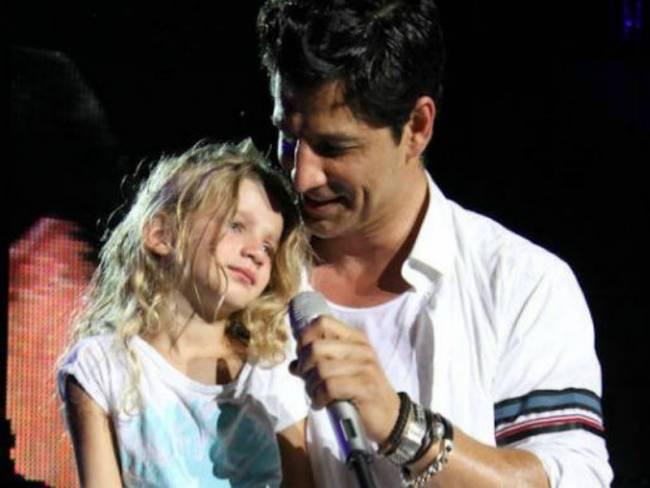 Ο Σάκης Ρουβάς με την κόρη του Αναστασία πρώτη φορά επί σκηνής