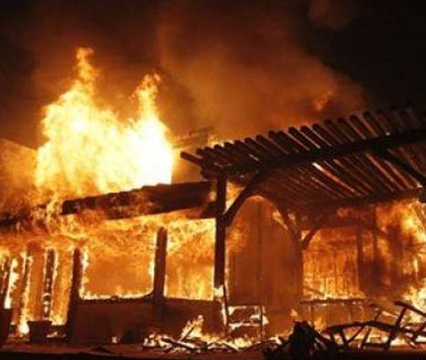 Λάρισα: Νεκρός 30χρονος απο αναθυμιάσεις σε φλεγόμενο σπίτι