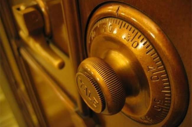 Λάρισα: Άρπαξαν χρηματοκιβώτιο με επιταγές αξίας πάνω από 10 εκατ. ευρώ