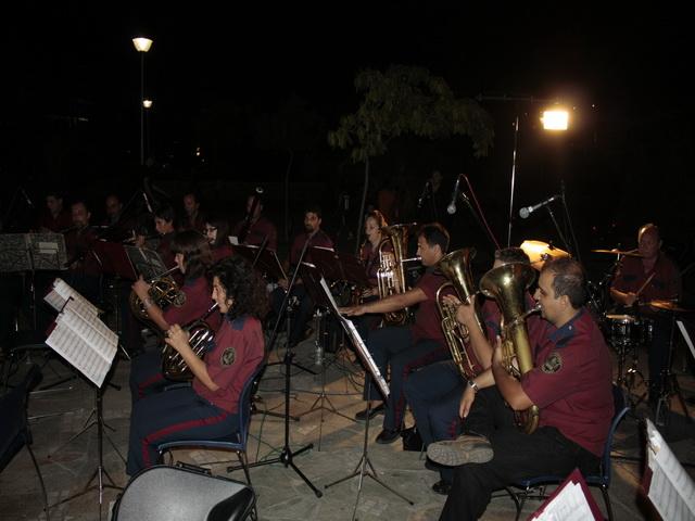 Η Φιλαρμονική Ορχήστρα Δήμου Βόλου στην παραλία της Αγριάς