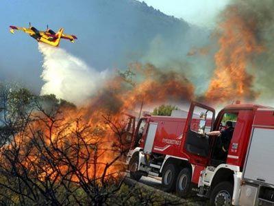 Αλμυρός: Πάνω από 800 στρέμματα έκαψε μέχρι τώρα η φωτιά στην Ανάβρα