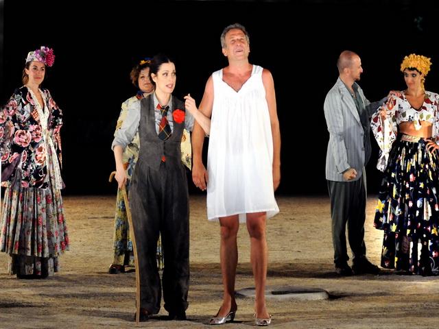 Οι «Εκκλησιάζουσες» θα παρουσιαστούν απόψε στο Θερινό Δημοτικό Θέατρο Βόλου