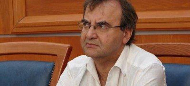 Στρατούλης: Η εικόνα του πρωθυπουργού ως επαίτη ήταν εξευτελιστική