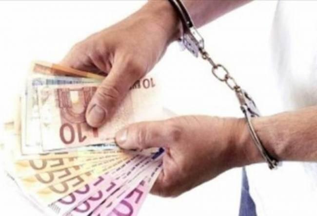 Σύλληψη με άρωμα γυναίκας για χρέη στο Δημόσιο