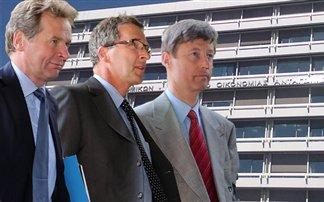 Απορρίπτει μέτρα 2 δισ. ευρώ και ζητάει άλλα η Τρόικα