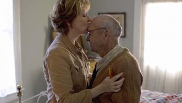 Νόσος Αλτσχάιμερ: πως θα καταλάβετε τα ύποπτα σημάδια