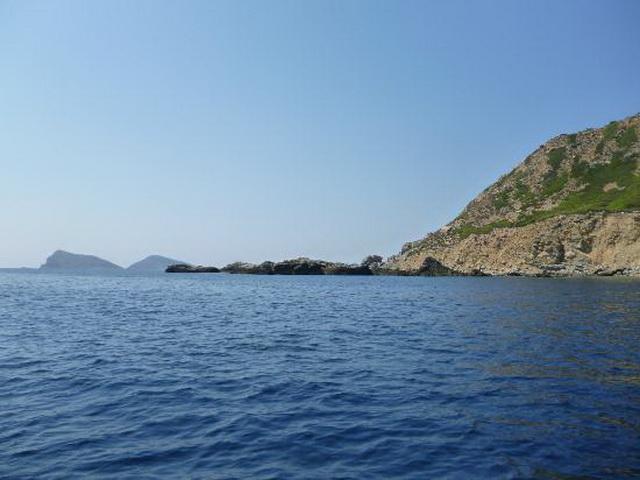 Εγκλημα η παραχώρηση νησίδων σε ιδιώτες