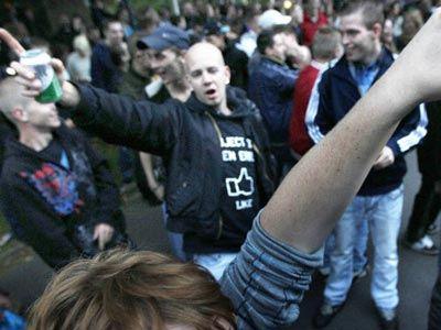 Μια πρόσκληση μέσω Facebook προκάλεσε δεκάδες συλλήψεις και τραυματισμούς