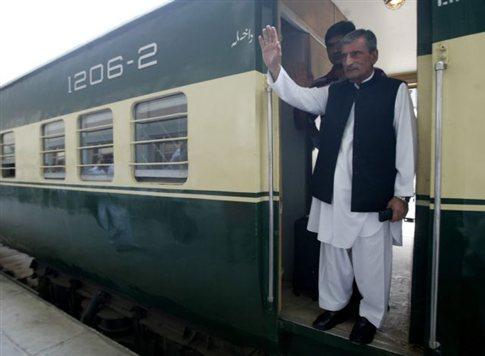 Πακιστανός υπουργός δίνει αμοιβή για το κεφάλι του σκηνοθέτη της «βλάσφημης» ταινίας