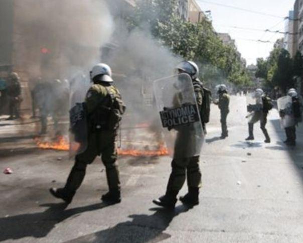 Δείτε φωτογραφίες από τα επεισόδια στο κέντρο της Αθήνας