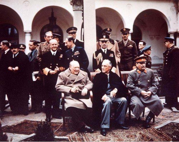 Το κενό των ηγετών