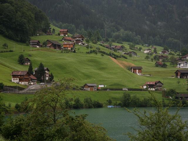 Ταξιδεύοντας στην Ελβετία