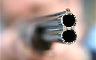 Παραδόθηκε ο δολοφόνος και ψάχνουν το όπλο του