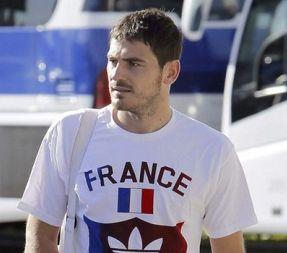 Ο Κασίγιας φοράει φανέλα της... Γαλλίας!