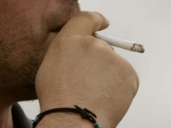 Οι Βουλευτές κάπνιζαν παράνομα