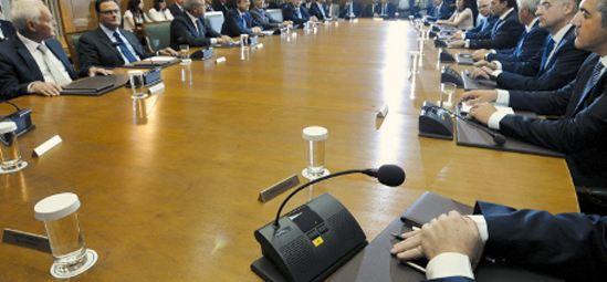 Αυτοί είναι οι 9 υπουργοί που θα στείλει σπίτι τους ο Σαμαράς το Νοέμβριο