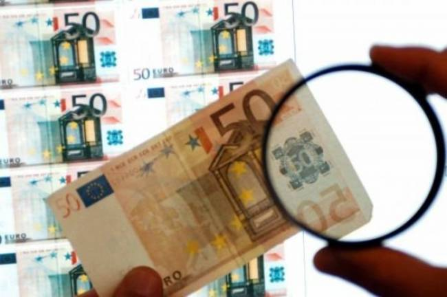 Σπείρα κυκλοφορούσε παραχαραγμένα χαρτονομίσματα στη Θεσσαλονίκη