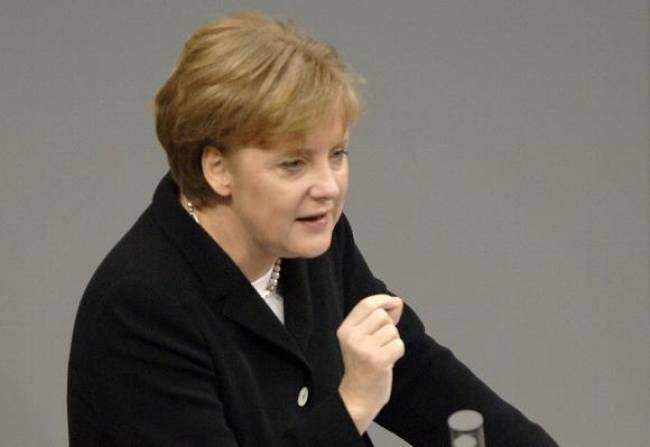 Γερμανία: «Η Μέρκελ συμφωνεί με τις προτάσεις του Σόιμπλε»