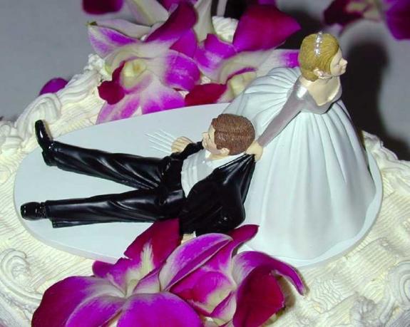 8+1 οικονομικές συμβουλές για να μην καταστραφεί ο γάμος σου