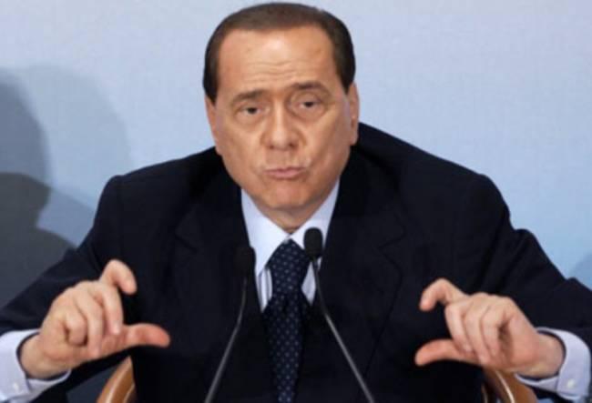 Ο Μπερλουσκόνι αρνείται τις «στενές σχέσεις» με τη Ρούμπι