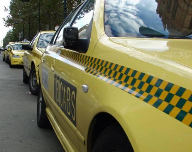 Σκοτώθηκε μέσα στο ταξί που τον μετέφερε από το αεροδρόμιο