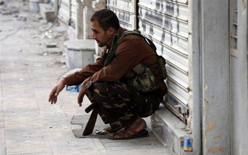 Πολύνεκρη έκρηξη στη Δαμασκό ενώ ο Μπραχίμι προσπαθεί να διαμεσολαβήσει για ανακωχή