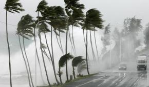 Οχυρώνεται έναντι του κυκλώνα «Σάντι» η Νέα Υόρκη