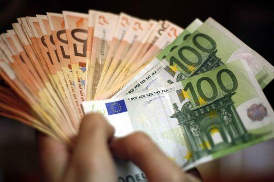Τρίκαλα:Στην Ελλάδα... φουκαράς, στην Ελβετία πλούσιος - Έβγαλε στο εξωτερικό 500.000€!