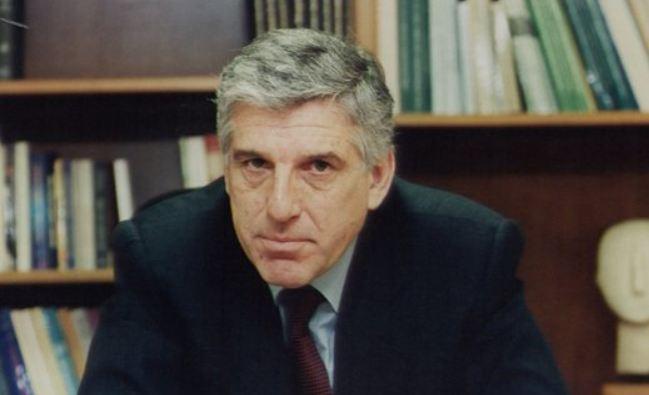 Αναδρομικό έλεγχο στα «πόθεν έσχες» του Γ. Παπαντωνίου ζητεί η Βουλή