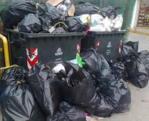 Τρίκαλα: Θα μαζέψουν σκουπίδια μόνο από κάδους κοντά σε σχολεία