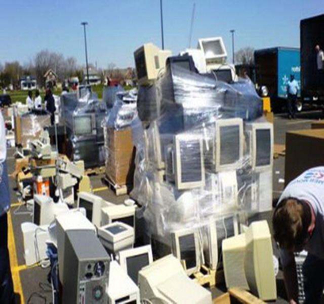 Δέκα τόνοι συσκευές  προς ανακύκλωση