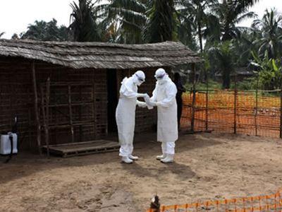 Ανησυχητικά στοιχεία για τον ιό Έμπολα - Μεταδίδεται μέσω του αέρα
