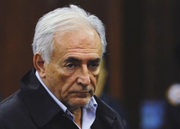 Αναβολή απόφασης για τη δίκη Στρος-Καν